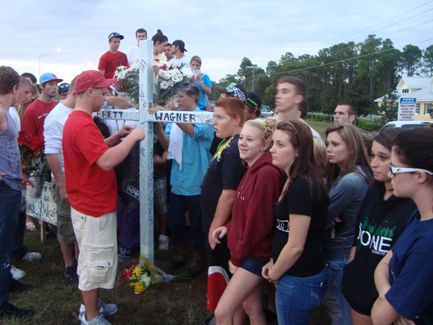 Students mourn at site where accident happened